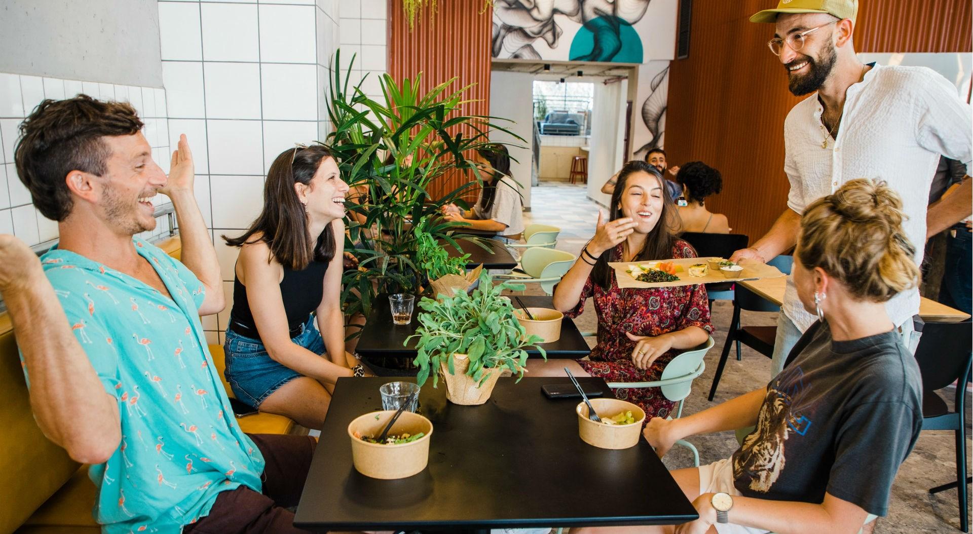 Gia Hostel Tel Aviv | NOWHERE CAFÉ